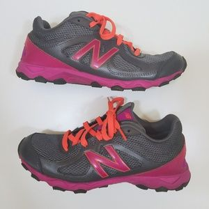 NEW BALANCE 520 Athletic Running Sneakers 7.5